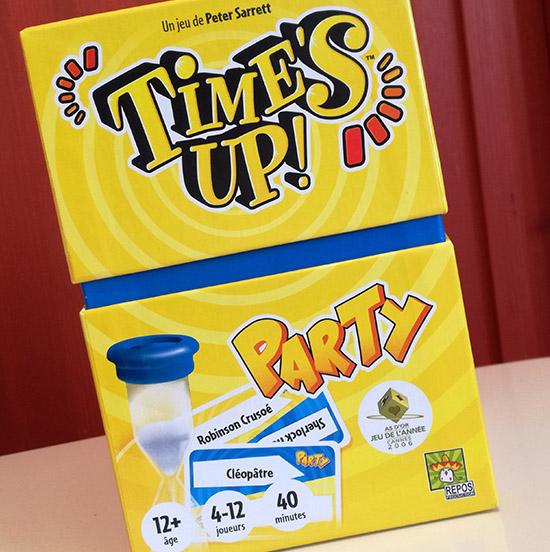 Le nouveau jeu Time's Up ! Party fait la part belle au digital et intègre youtubeurs connus.
