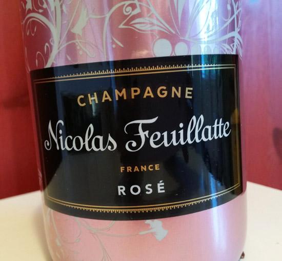 Nicolas Feuillatte propose une édition limitée de son Champagne Brut Rosé pour la Fête des mères.