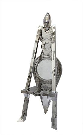 Trône Totem - Inox martelé poli serti de Cristaux de Roche et verre gravé.