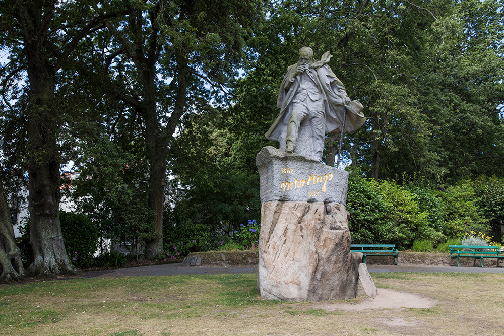 La statue de Victor Hugo