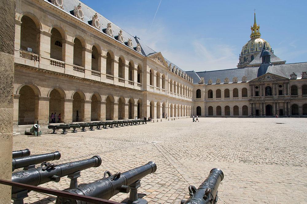 Cour d'honneur des Invalides