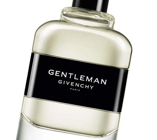 Gentleman, la toute nouvelle fragrance signée Givenchy, ose les contrastes dans un parfum boisé floral fougère tout en nuances.