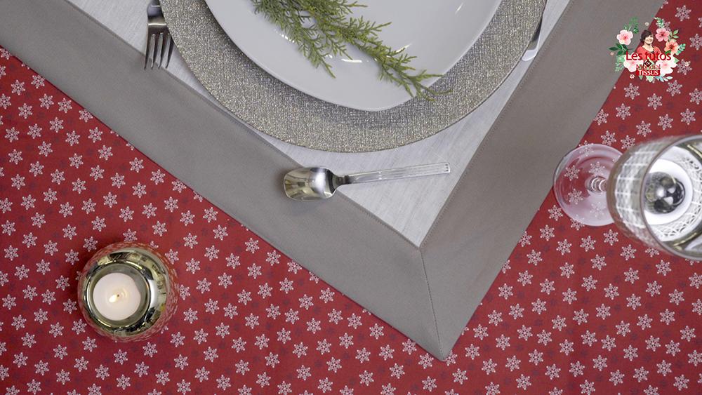 Ma nappe de Noël pour embellir votre table le soir du réveillon ...