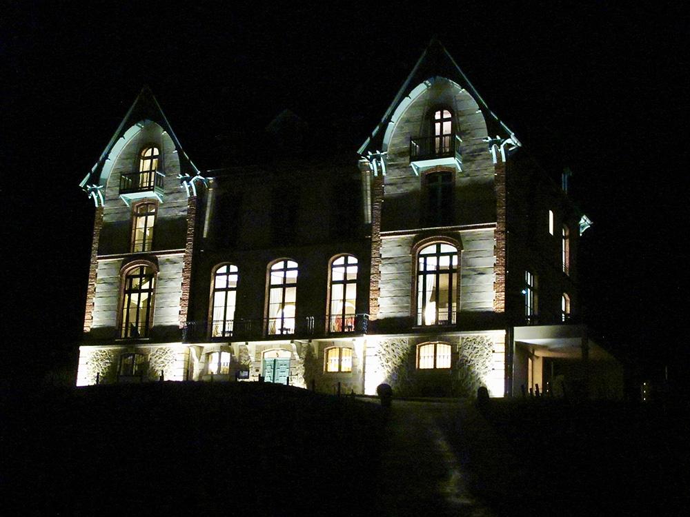 Le château de Sacy la nuit