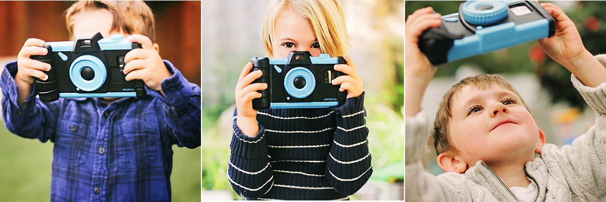 Enfants avec l'appareil photo Pixlplay