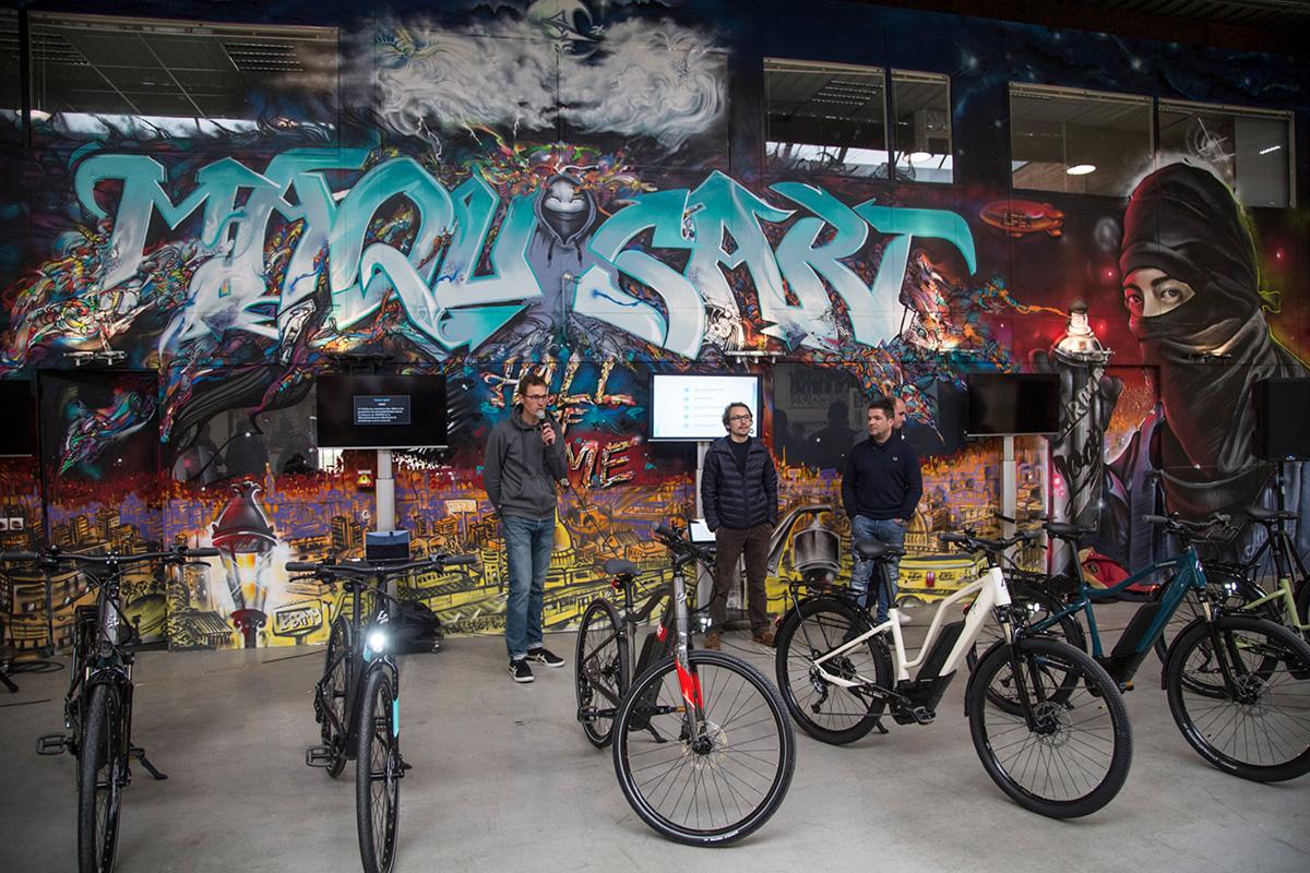 L'équipe Lapierre est venue à Paris, à L'aérosol, pour présenter sa nouvelle gamme de vélos à assistance électriques.