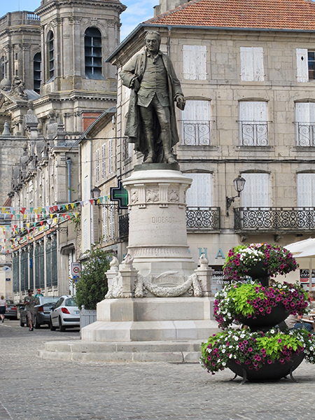 Place Diderot à Langres