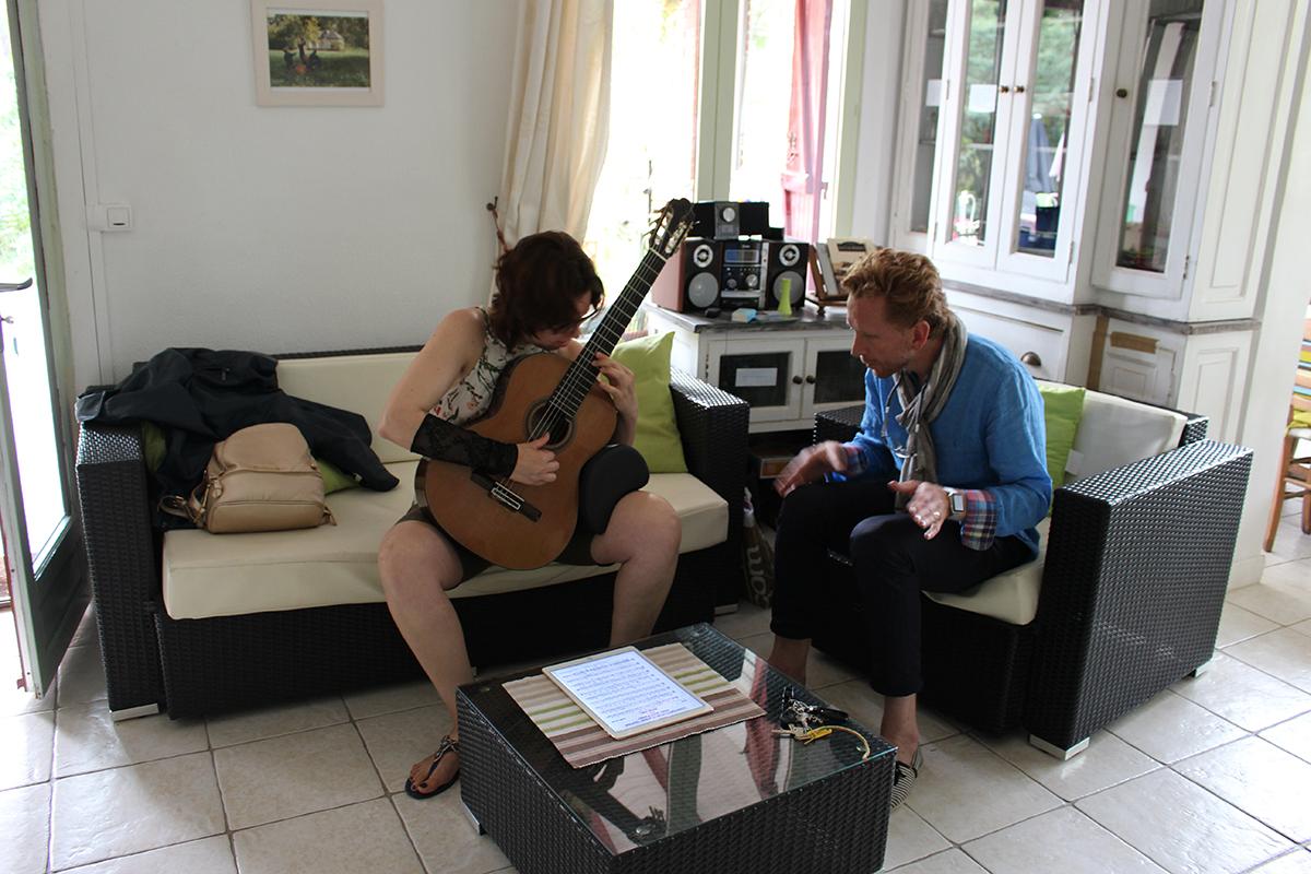 Liat Cohen en répétition dans la villa où je résidais. Des moments magiques à l'écouter jouer.