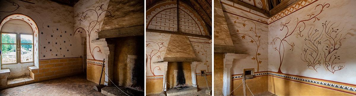 La chambre. Des pigments comme l'ocre et l'hématite, ont été utilisés pour réaliser toutes les peintures murales du château. Elles ont été Inspirées des très belles peintures de l'église de Moutiers toute proche. ©Caroline Paux