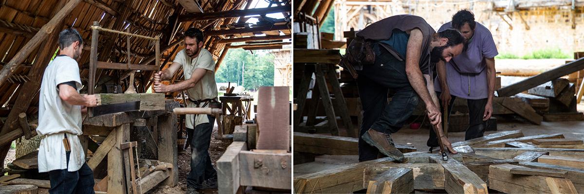 Les charpentiers travaillent sur la charpente qui couvrira la chapelle. ©Caroline Paux