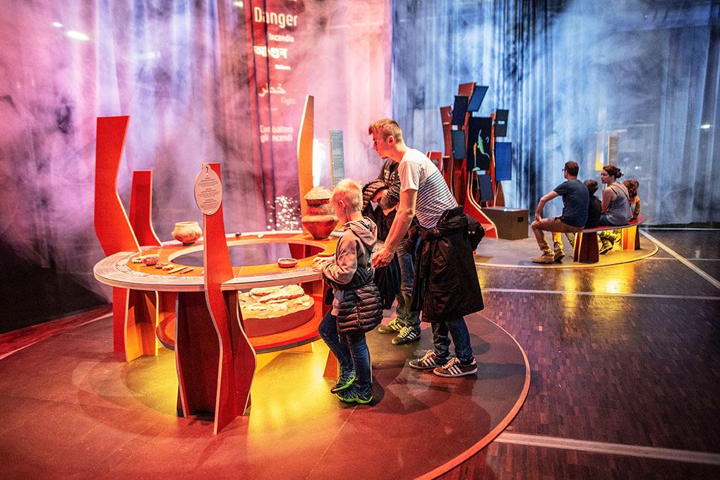 Exposition Le Feu à la Citée des Sciences et de l'Industrie.