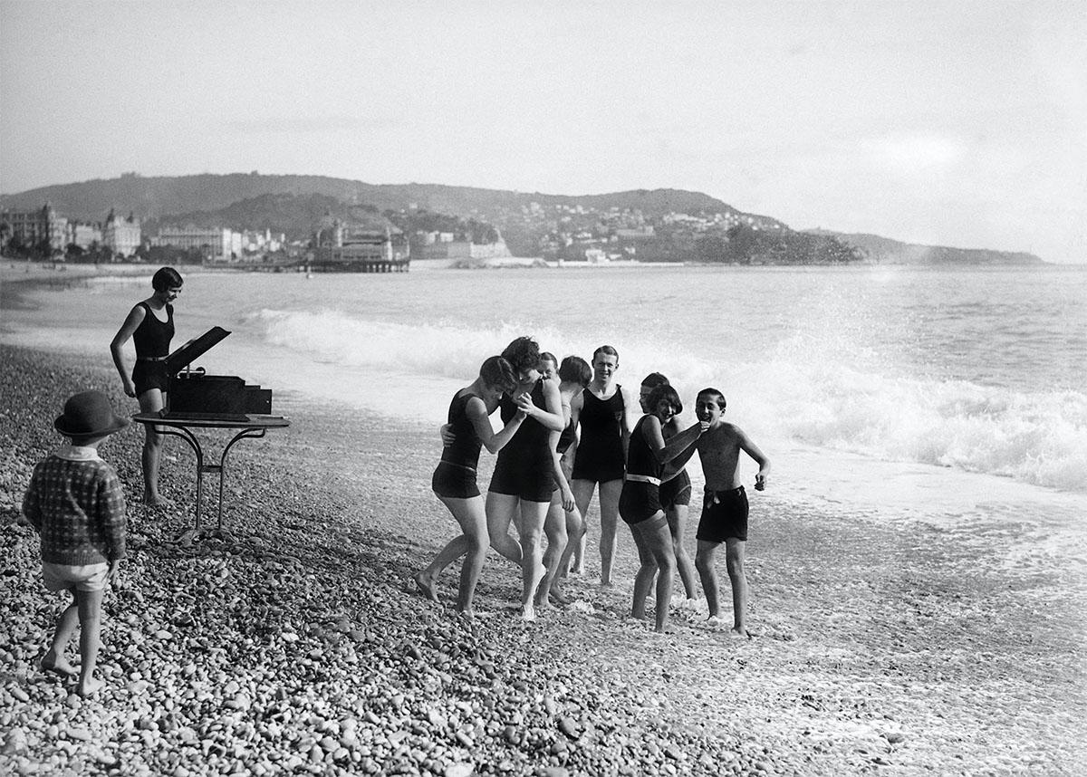 Maurice-Louis Branger-Musique sur la plage