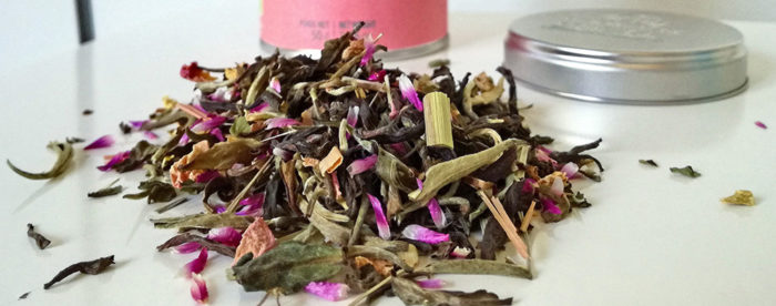 Dhyāna EAU, thé de méditation lancé par Les Jardins de Gaïa, est une recette fraîche, à base de thé blanc, qui accompagne les instants de détente.