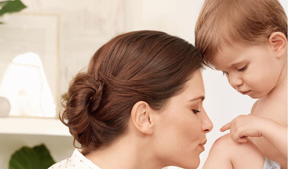 Baiser d'une mère