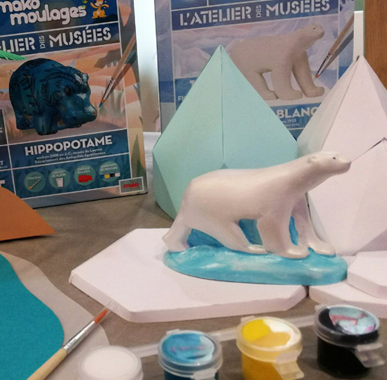 L'Atelier des Musées signé Mako Moulages propose deux coffrets pour les enfants : l'Ours blanc de Pompon ou l'Hippopotame bleu du Nil.
