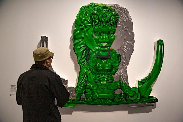 """""""Green Grey Symmetrical Mickael Jackson"""", des tirages numériques montés sur plexiglas, bois et support polystyrène, de Paul McCarthy. Réalisé en 2003."""