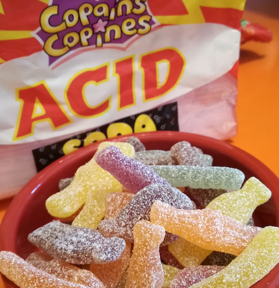 Copains Copines est gamme de bonbons sans additifs ni arômes artificiels.