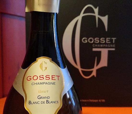 Le Champagne Gosset s'offre en coffret pour la Saint-Valentin.