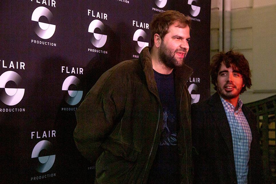 """Éric et Quentin, le duo humoristique que l'on peut voir sur TMC dans l'émission """"Quotidien""""."""