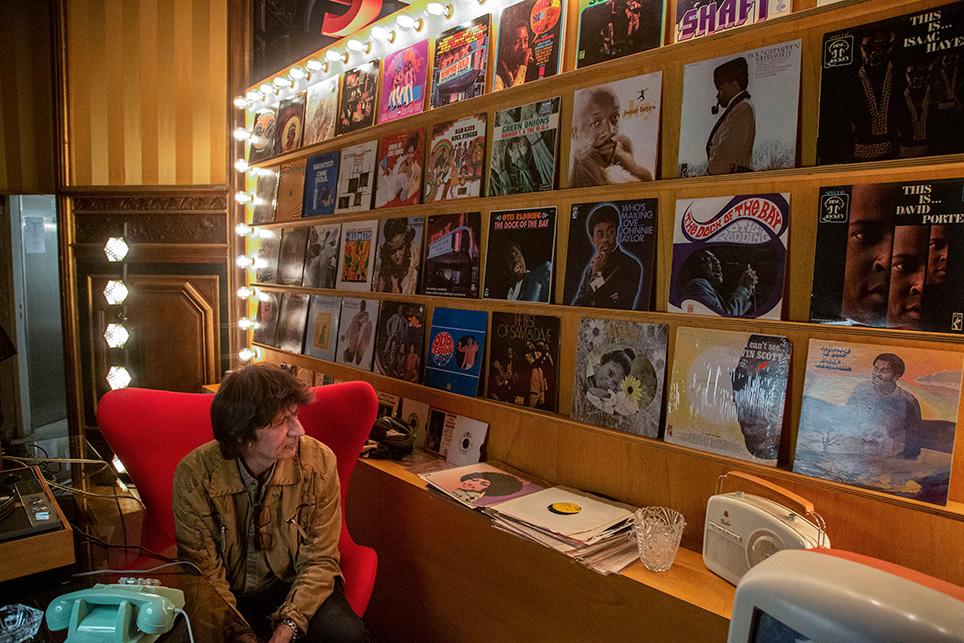 De la musique, du Jazz et du vintage au premier étage de l'hôtel Marois. La déco était tout à fait adaptée…