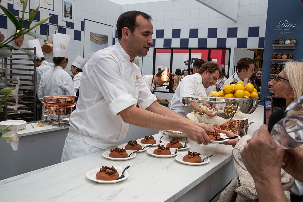 A l'espace du Ritz, le chef patissier François Perret propose un excellent entremet cookie.
