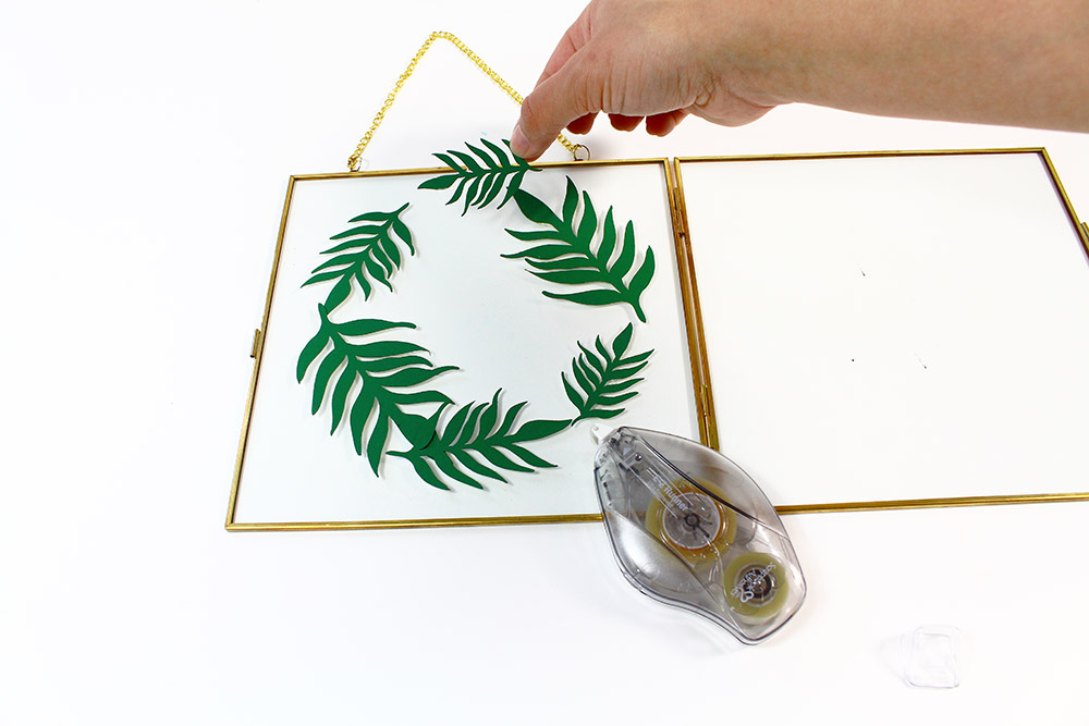 Etape 1 : Faire la couronne de feuilles