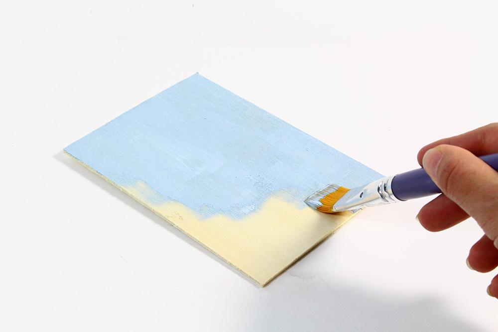 Étape 1 : Peindre le dos de la tirelire