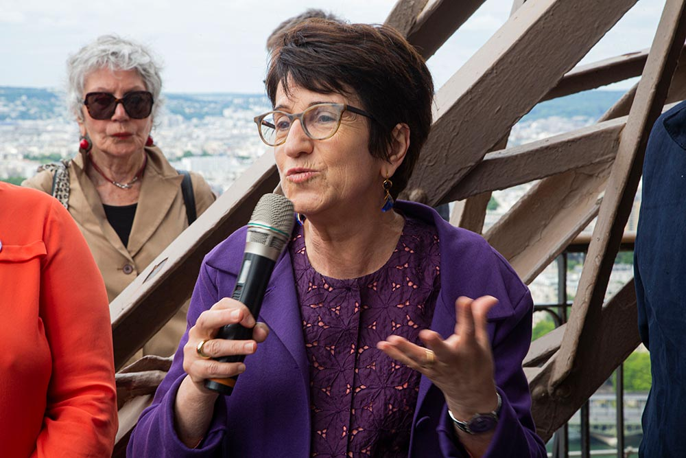 Dominique Versini, adjointe, chargée des questions relatives aux solidarités et à l'accueil des réfugié, représentait la mairie de Paris, qui a soutenu cette initiative. « c'est notre devoir d'humanité d'accueillir les réfugiés… »