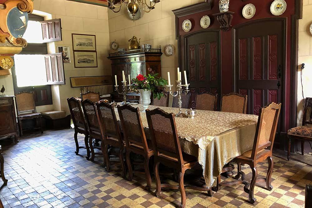 Château de Troussay : table de la Salle à manger