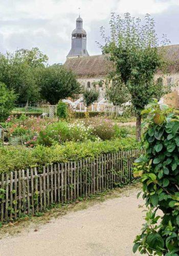 Thiron : Eglise Abbatiale et ses jardins