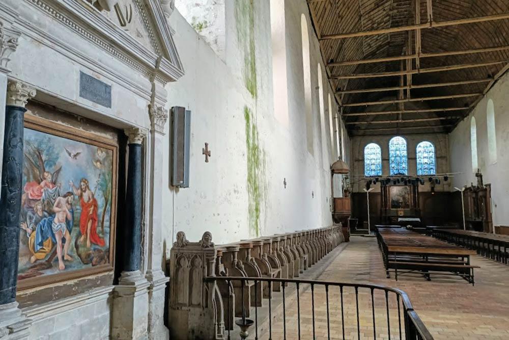 Thiron : Gardais Intérieur de l'Abbatiale de la Saint Trinité