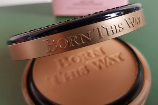 Collection Born This Way, Too Faced