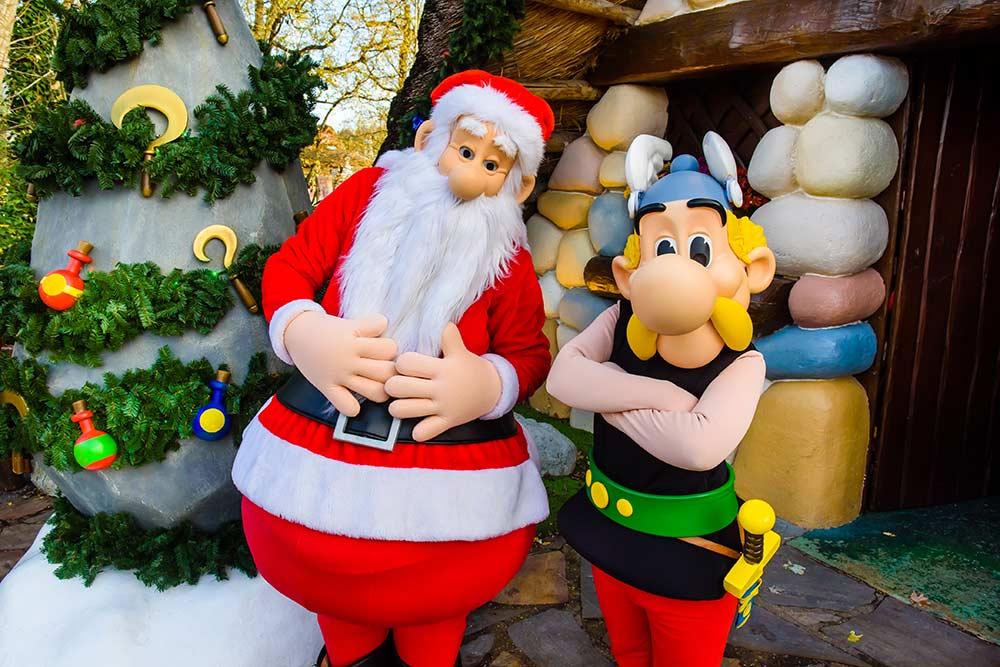 Parc Astérix : le Père Noël et Astérix