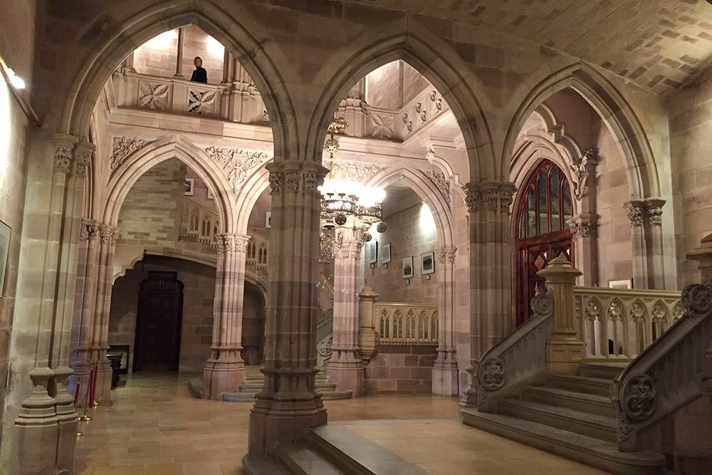 La Cantabrie - Intérieur du Palais de Sobrellano à Comillas