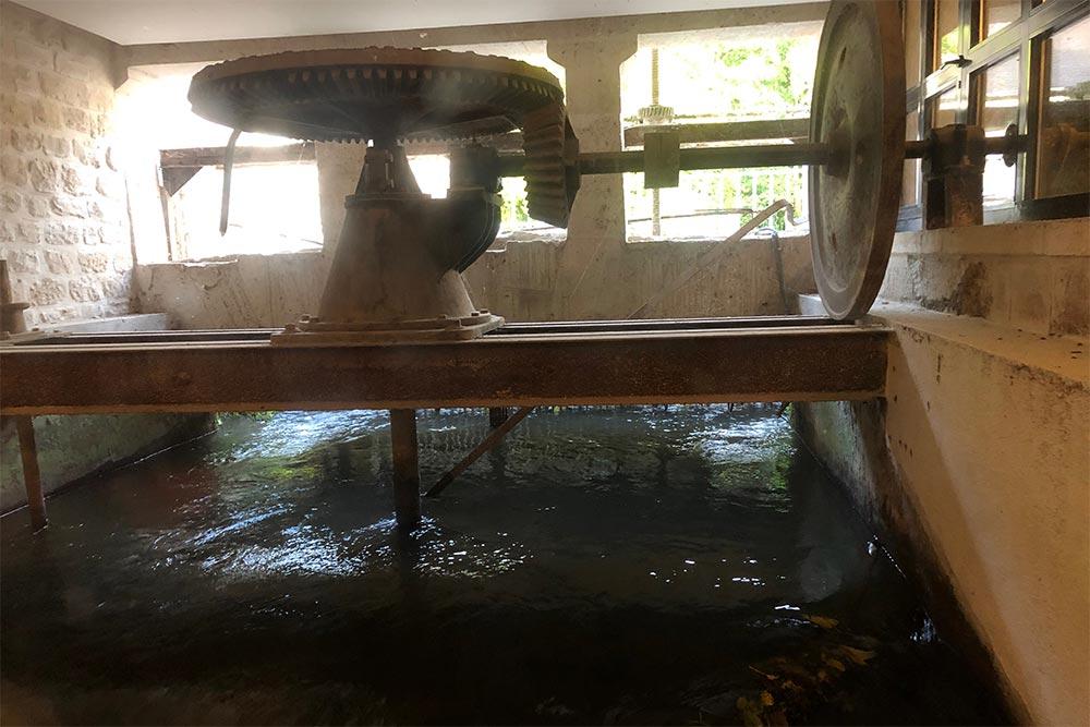 La roue du moulin de l'hôtel Hyatt regency