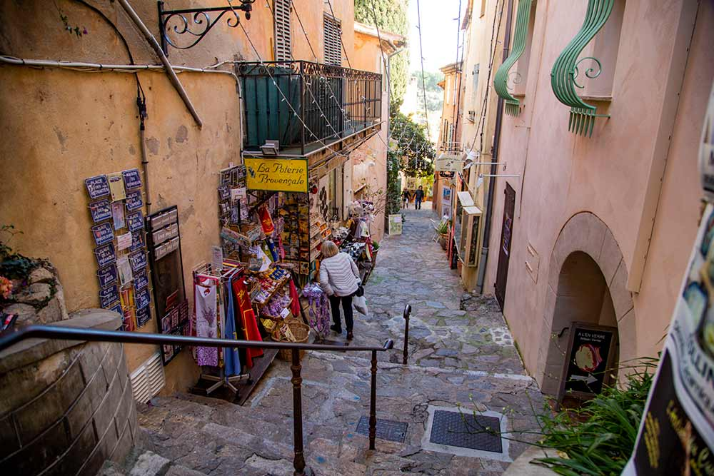 mimosa - La rue Rompi Cuou.