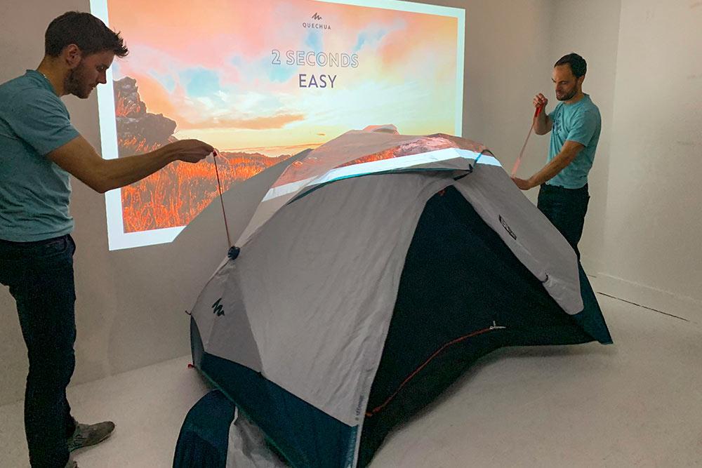 2 secondes EASY - Et la tente prend sa forme en 2 secondes.