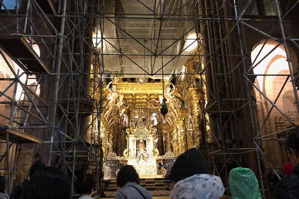 Les travaux de restauration dans la Cathédrale de Saint-Jacques de Compostelle