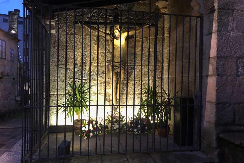 Un christ dans une rue de Saint-Jacques de Compostelle