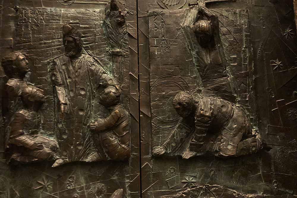 Plaques de Bronze Sculptées