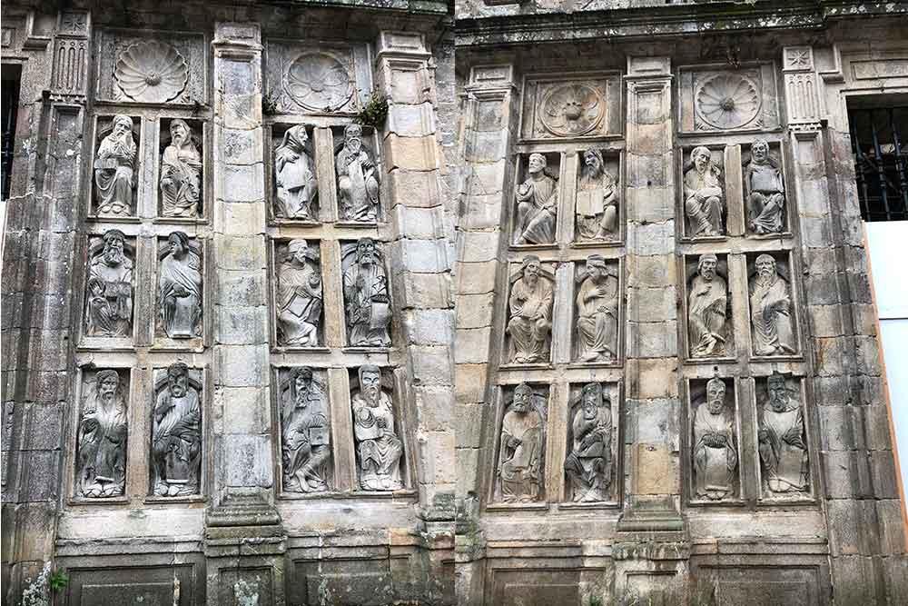 Statues dans la Cathédrale de Saint-Jacques de Compostelle