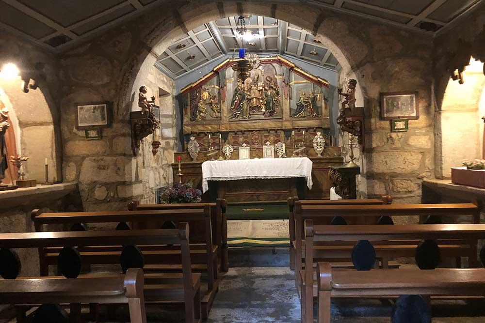 La chapelle qui jouxte la Cathédrale Saint-Jacques de Compostelle