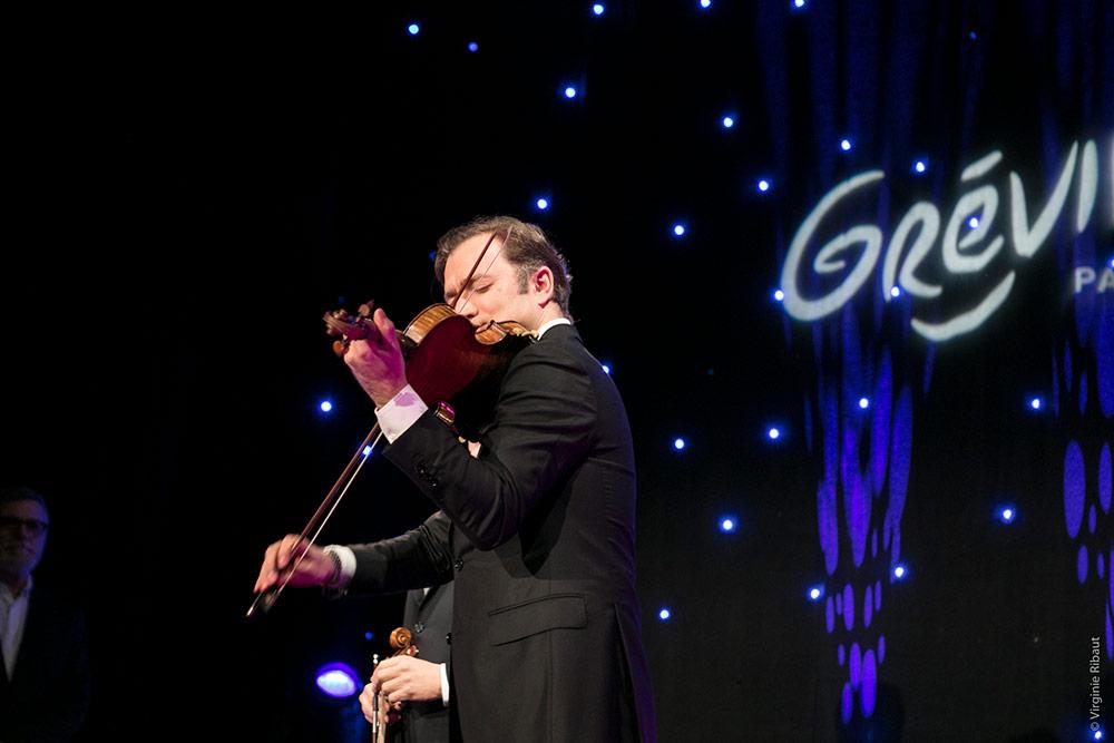 Renaud Capuçon joue du violon