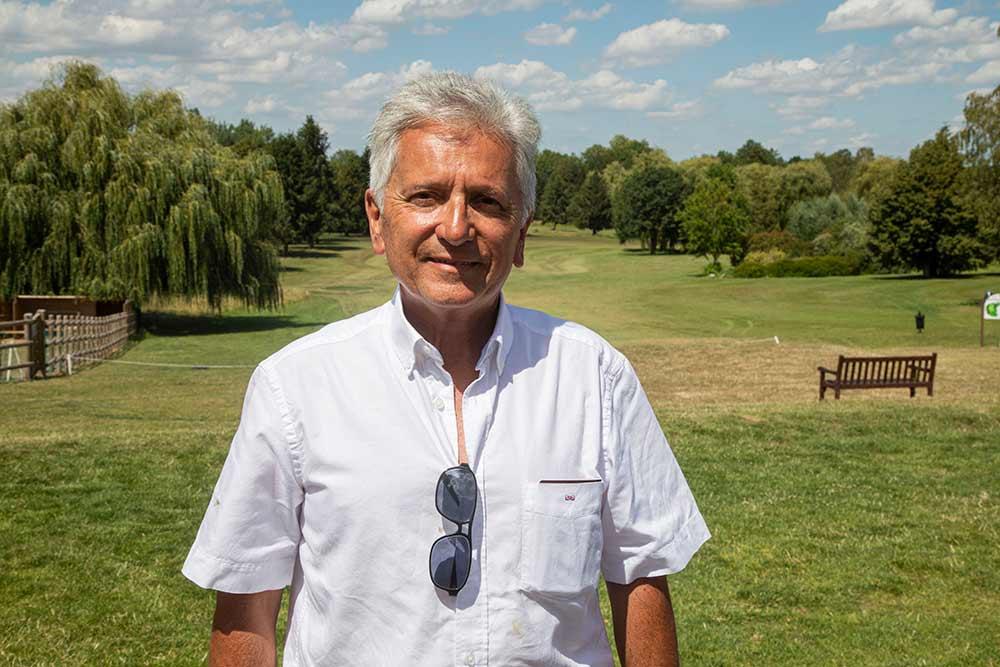 Eric Vignot, l'entrepreneur, amoureux des perroquets, à l'origine du Parrot World. ©Caroline Paux