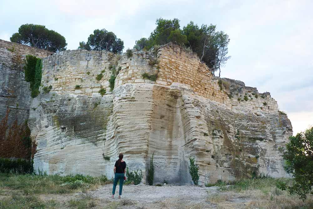 Terre d'Argence - Au pied de l'Abbaye de Saint-Roman