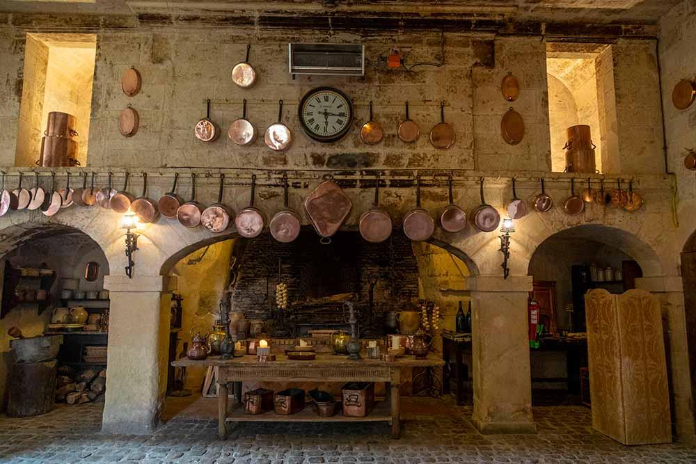La magnifique cuisine du château.