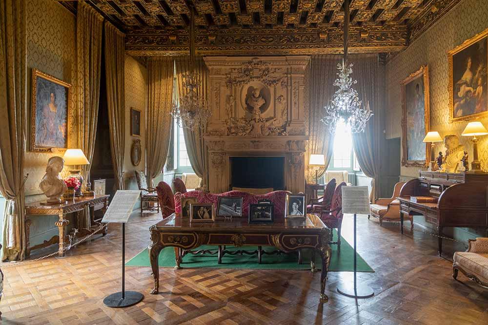 Anjou- Château de Brissac Le salon doré