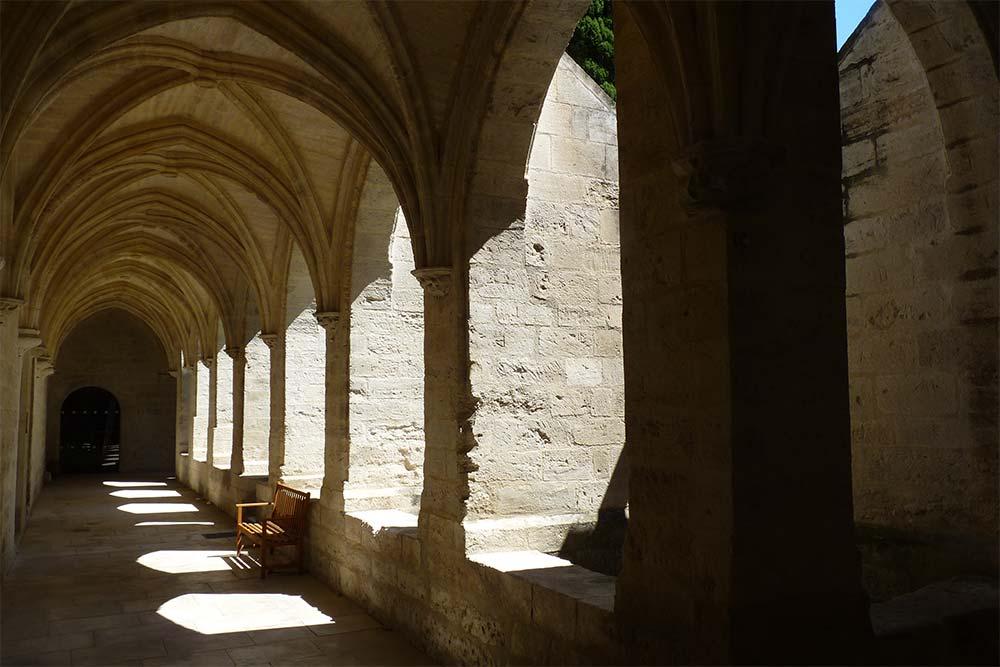 Un des cloîtres de la Chartreuse de Villeneuve-lès-Avignon