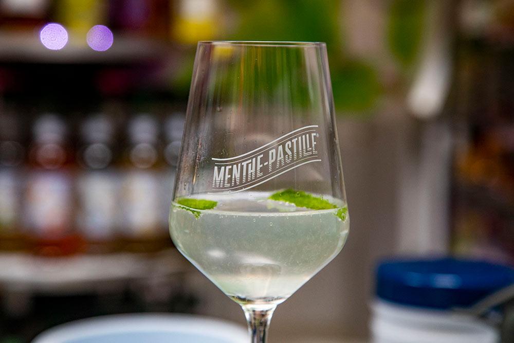 Un cocktail au Pastille-Menthe.