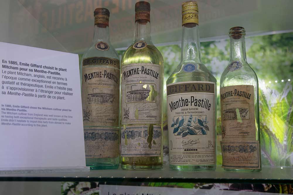 On découvre l'histoire du Pastille-Menthe dans la salle d'exposition.